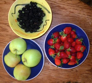 Apples, blackberries and strawberries from the edible garden
