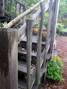 Using recycled pickets for railing