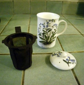 tea cup with strainer