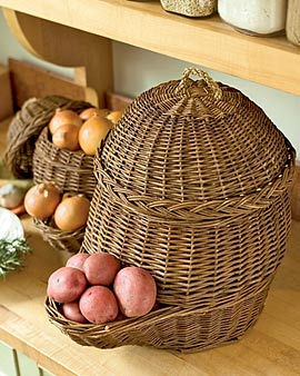Good looking and tidy basket storage