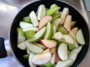 Cut apples for cooking